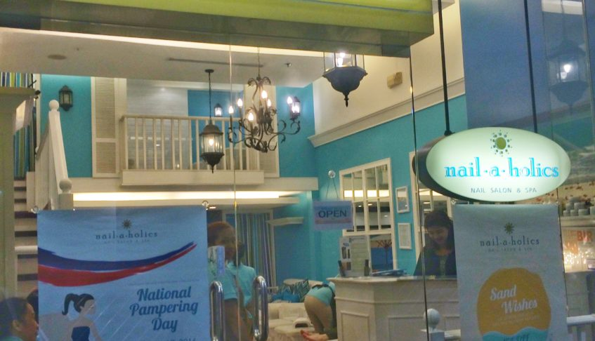 5 Reasons to celebrate national pampering Day at Nailaholics
