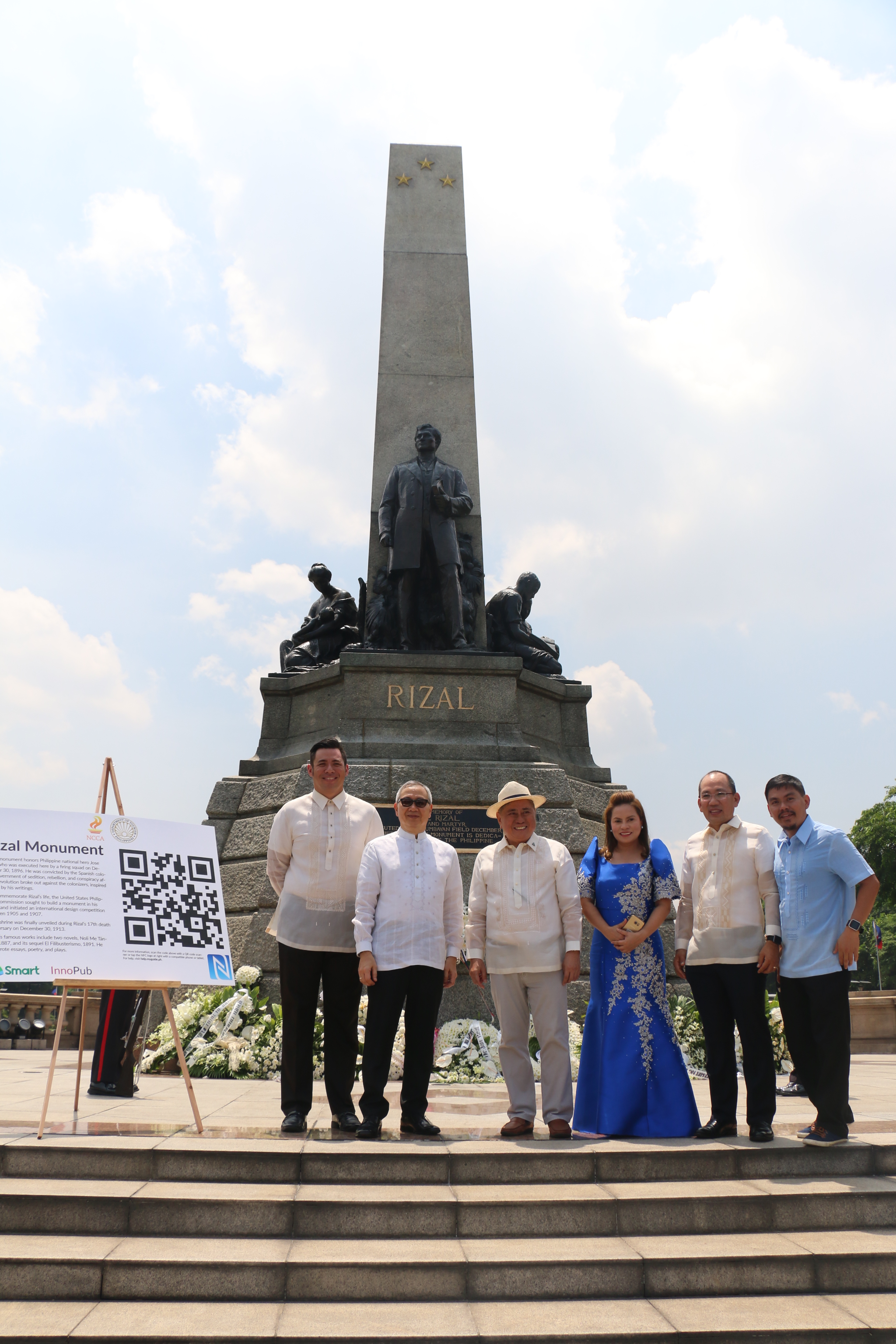The launch of the Kultoura app was held at Rizal Park to commemorate the 156th birthday of National Hero Jose Rizal. Leading the launch were Smart AVP/Head of Community Engagement and Partnerships Gabby R. Cui, PLDT and Smart Public Affairs Group Head Ramon R. Isberto, NCCA Chairman Virgilio Almario, National Parks Development Committee Executive Director Penelope Belmonte, DOT Undersecretary for Oversight Function for Legislative Matters Falconi Millar, and InnoPub Media co- founder Max Limpag.