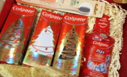 Make Somebody Smile with The New Colgate Christmas Toothpaste