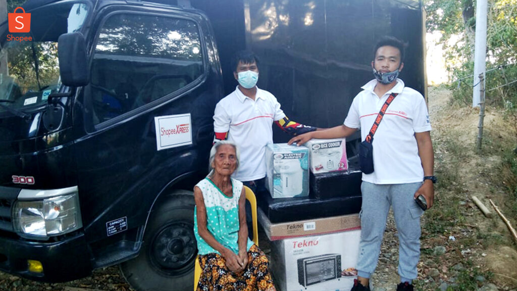 Shopee Extends Help to Lola Who Accidentally  Burned Her ₱14,000 Life Savings